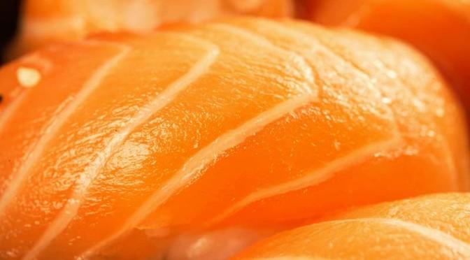 寿司は塩で食ったほうが絶対うまい